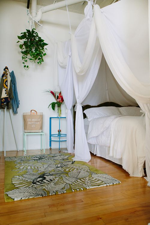 hanging_pant_bedroom_forgeyou